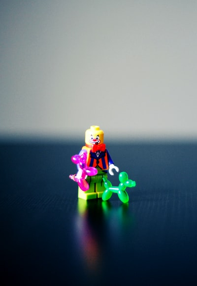 How to make friends on the go with Lego